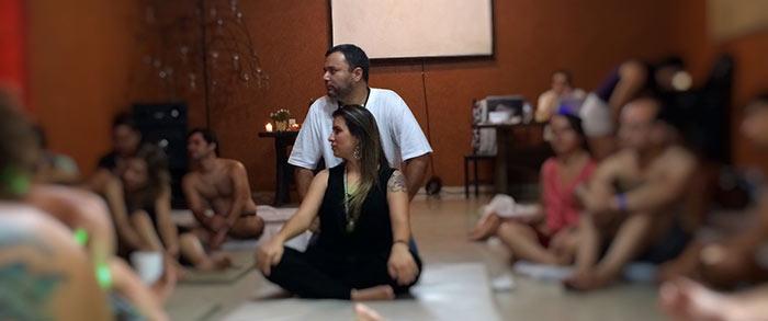 Prem Gurutama e Daricha Sundari ministrando workshop Intimidade e Sexo Sagrado (Delerium).