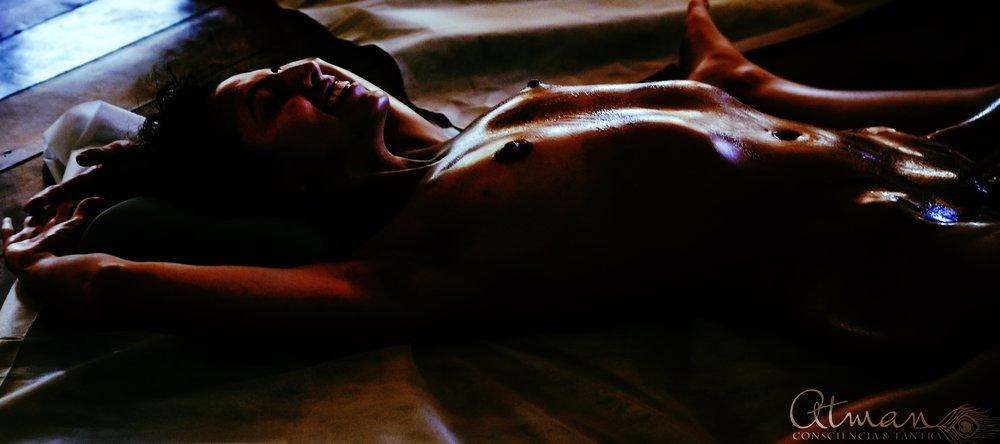 Yoni Massagem. (Foto: Melissa Maurer).