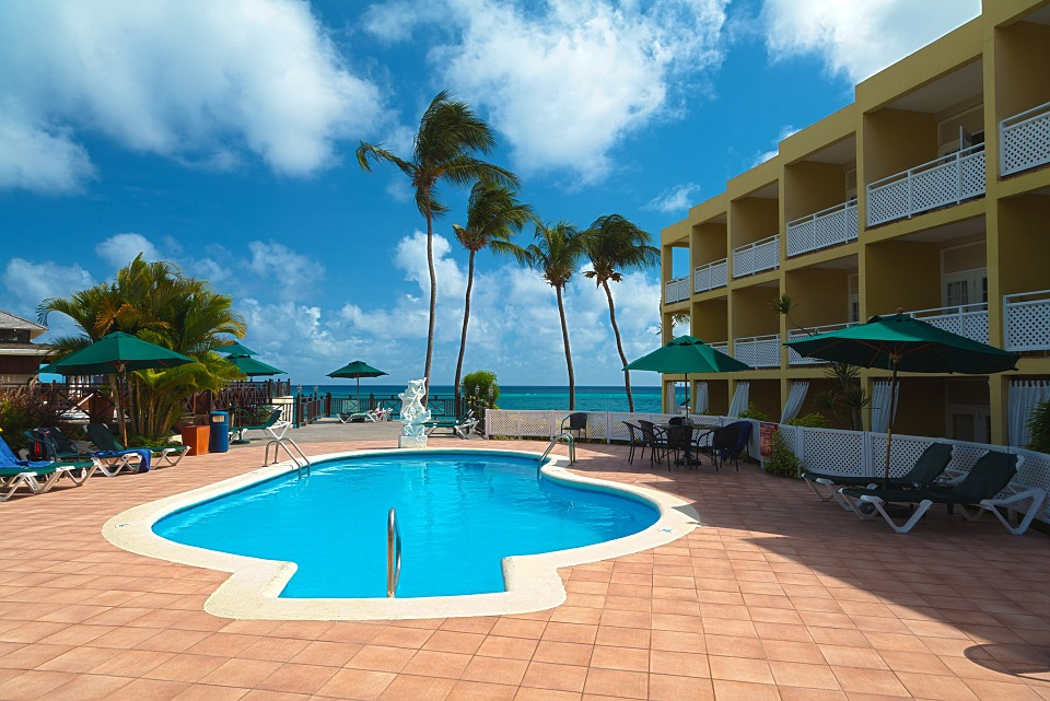 hotel-pools.jpg