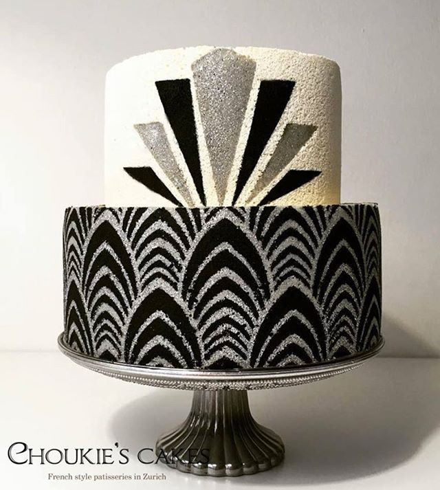 STUDENT APPRECIATION:  WOW!! Choukies Cakes has outdone herself with this little stacker.  We adore the sophisticated color palette, the gorgeous sparkle, the deco design -- PERFECTION. #entremetweddingcake #decorativejaconde #tutorial #DIY