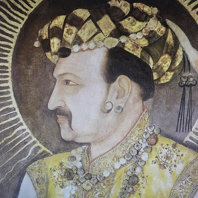 New pod is here!! Emperor Jahangir loved alcohol, opium, hunting (shikar), and, like all good South Asians, mangoes. His numerous experiences with all the above, his beloved wife Nur Jahan, his son, the future emperor Shah Jahan, and more were written down by him in his autobiography Tuzuk-i-Jahangiri. In this podcast, we discuss the colorful pleasure-seeking life of this Mughal emperor - a man who was selfish, addicted, humorous, and generous, all at once. To listen, check link in bio! (We are also on iTunes as Masala History.) . . . . . . . . #podcast #indianhistory #historypod #india #mughal #jahangir