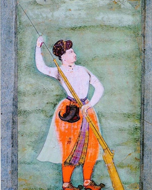 Who is this handsome guy? Well, may be not a guy...Hint of a bosom, Muslin transparent tunic pleated in front, royal princely turban. Not a prince, she is Empress Nur Jahan, seen here as the great hunter that she was. Head over to my bio link to hear more about her. (Last call - we are moving to the life of a 12th century king next week!) . . . . . . . : . . . . . #india #southasia #history #mughal #mughalempire #womenshistory #nurjahan #jahangir #shahjahan #seventeenthcentury
