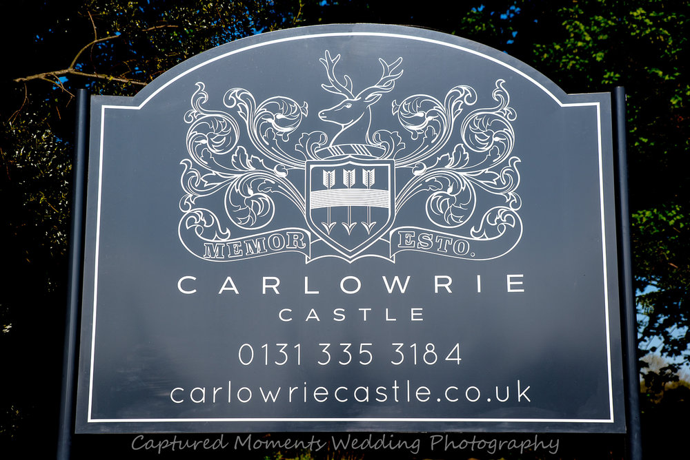carlowrie castle sign