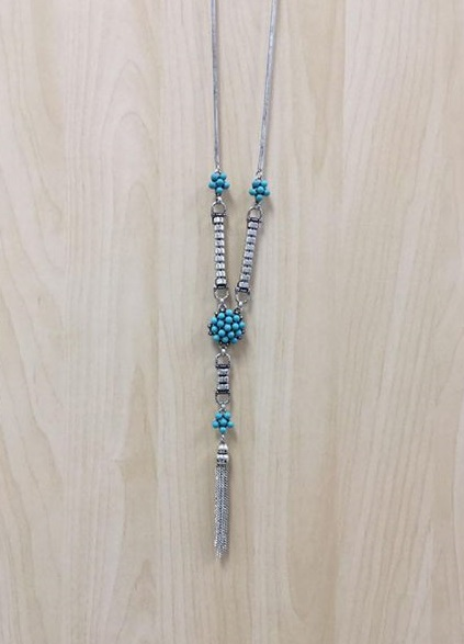 VLD Silver and Teal Necklace - Perfect accessory for a day at work, or a night out.$9