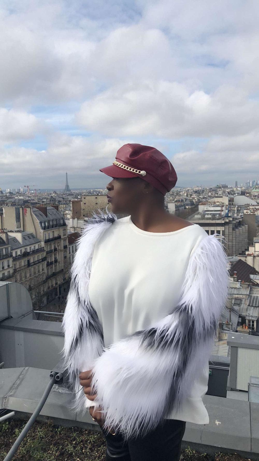 CARLA IN PARIS.jpg