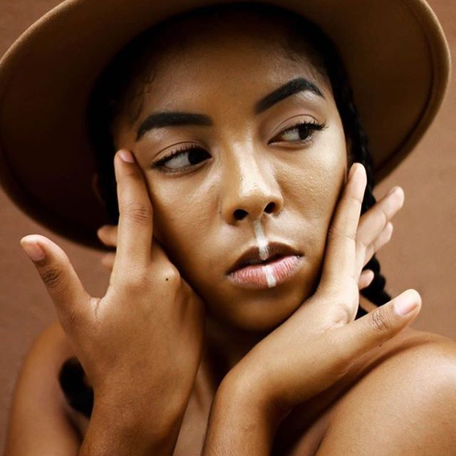 Lovely lines. Photo via @of.the.essencee #makeup #beauty #blackgirlmagic