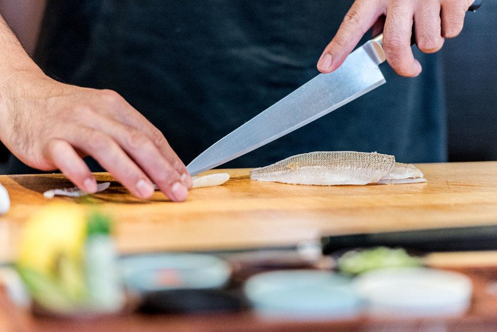 2016-Ju-Ni-Slicing-Fish_011.jpg