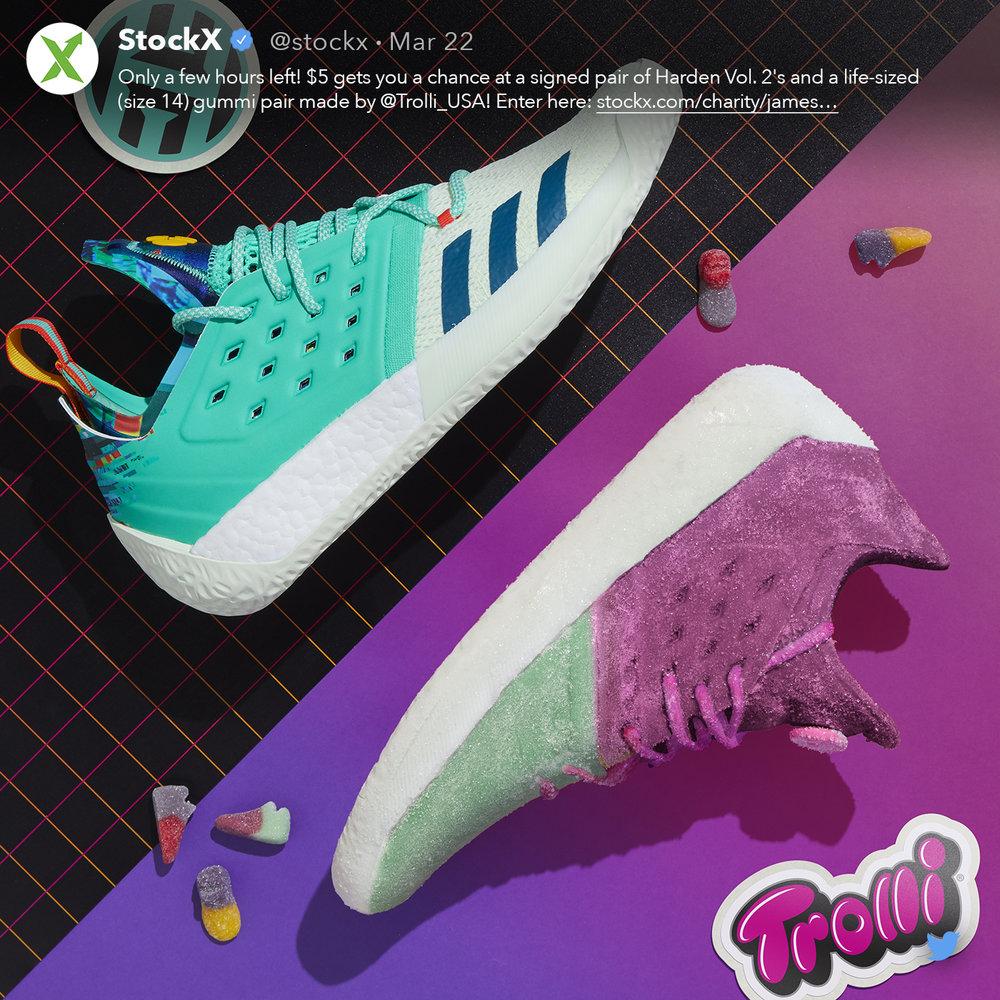 Trolli_Social_YinYang_GummieSneaks-Green-FA-Tweet01.jpg