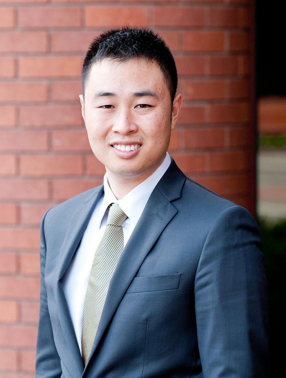 15-11-29-Yishi-Zuo-Photo.jpg