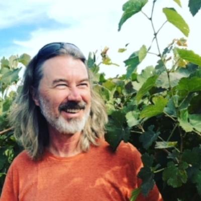 Hank vines.JPG