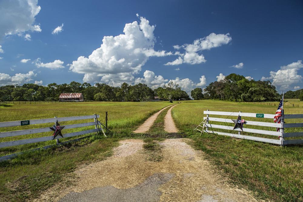 Texas Fence, Hwy 105.jpg