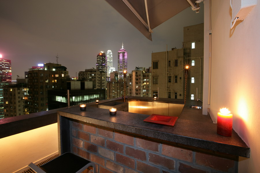 Roof Bar.jpg