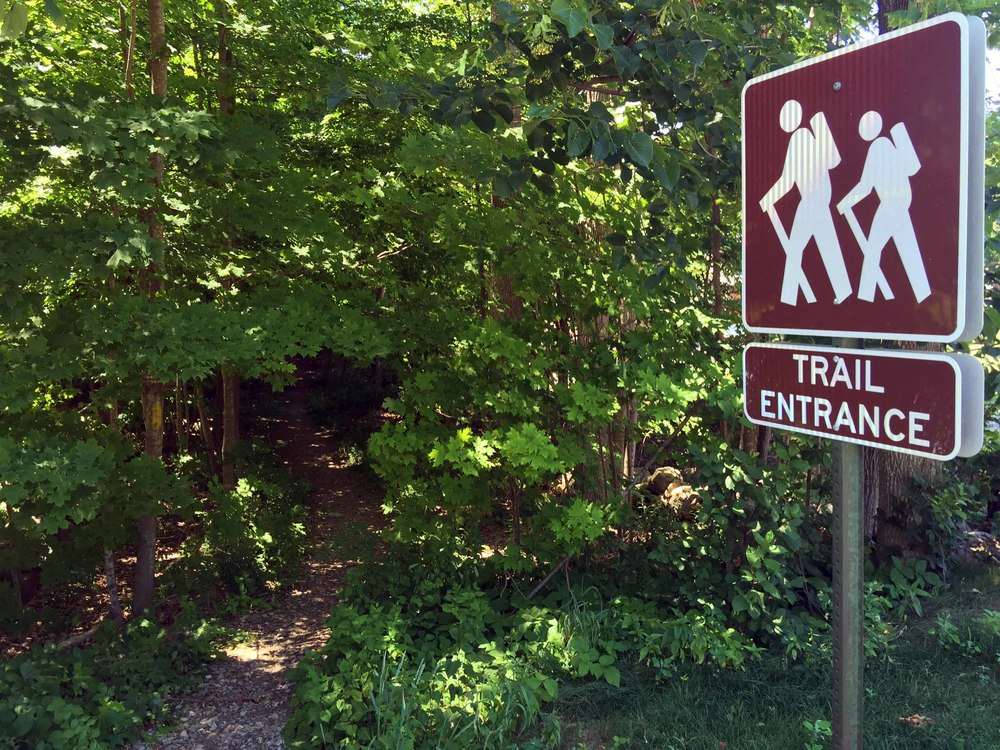 Wallace Road trailhead