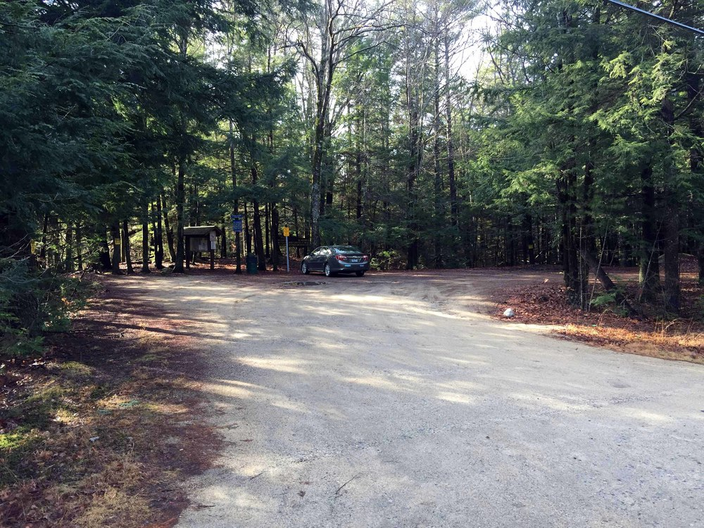 New Boston Road Parking area (Kennard Trailhead)