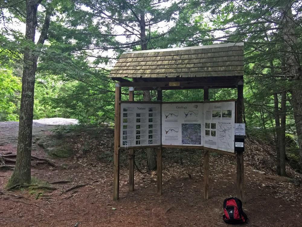 Info kiosk at the ravine