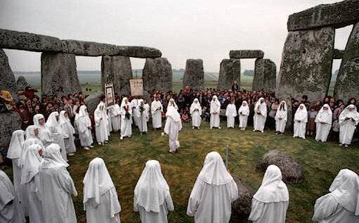 stonehenge-ritual.jpg