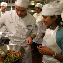 Dr. Robert Graham, Natural Gourmet Institute and Meatless Monday host healthy cooking course for medical residents