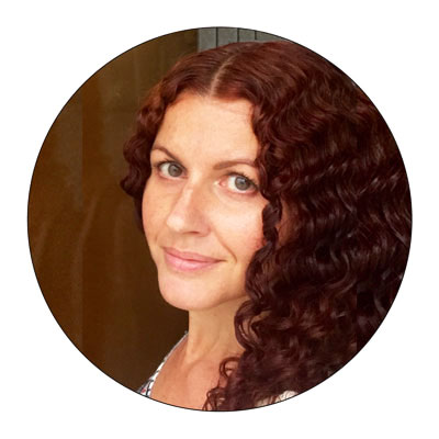Julie Graham is a Certified Health Coach, Registered Yoga Teacher, Positive Psychology Practitioner and is certified in Meditation and Aromatherapy.