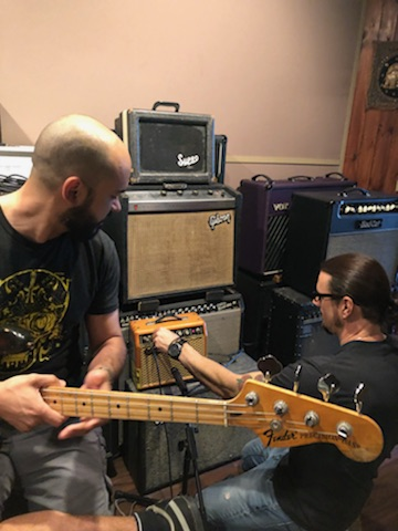 Dialing It In... - Vinnie helps Eliss get a unique sound using non-traditional amps