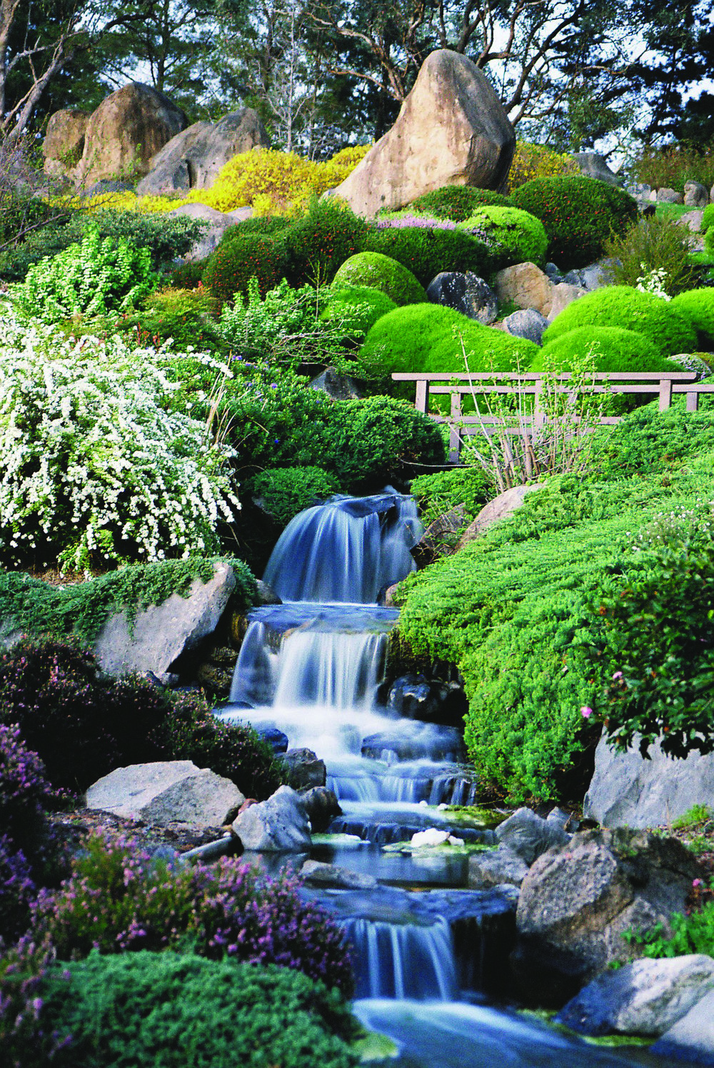 Cowra Japanese Garden_Waterfall.jpg