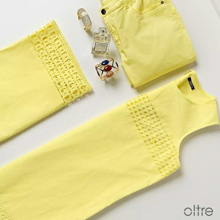 OLTRE - жолт ленен фустан за топлите дневни прошетки