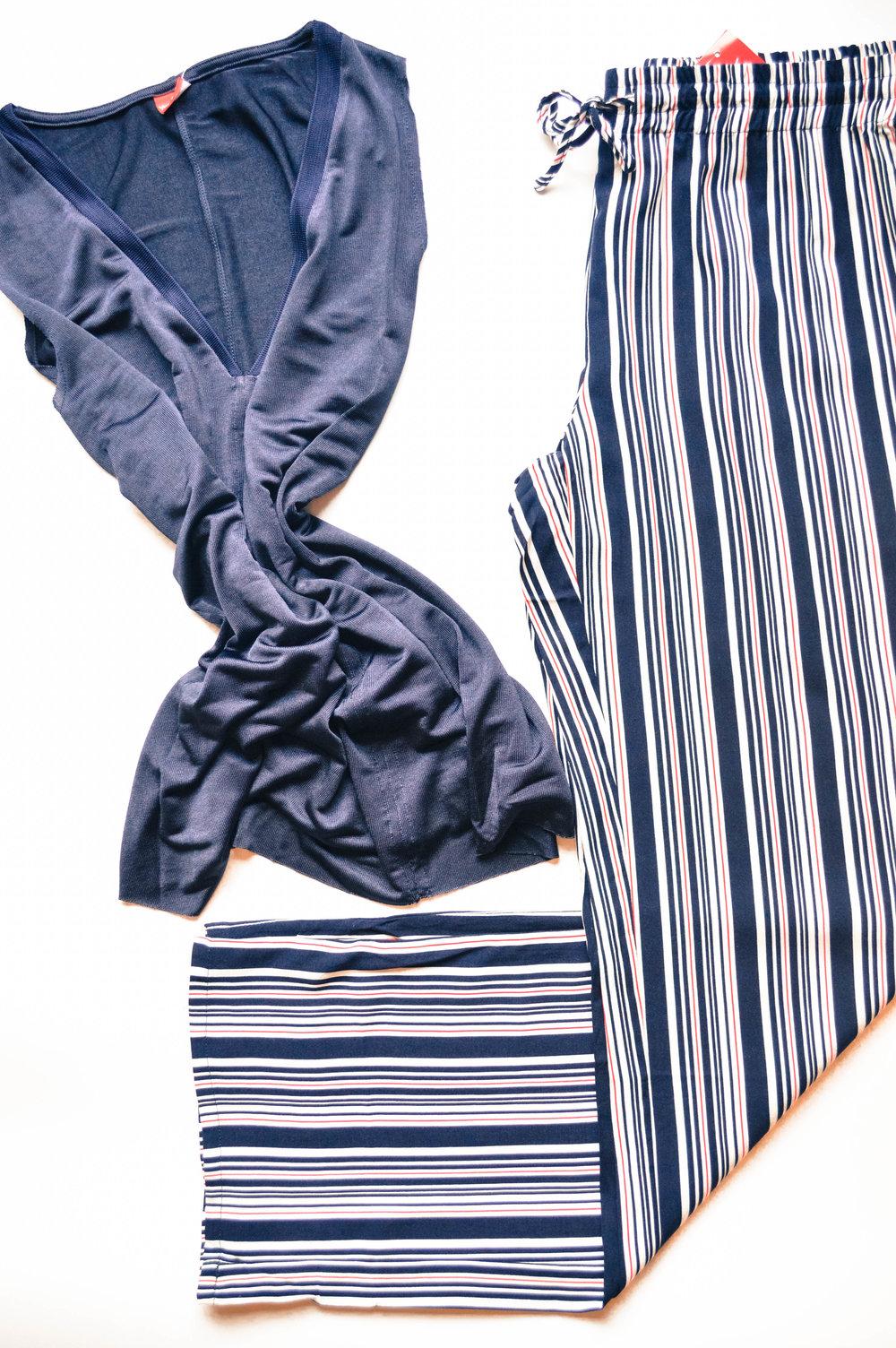 Панталони= 2090 денари, блуза= 1790 денари