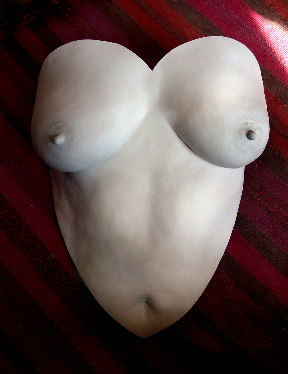 www.rockabelly.co.uk_torso_cast_from_350_pounds.jpg