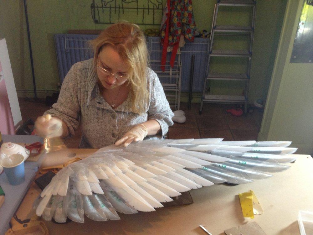 CJ Munn building a wing