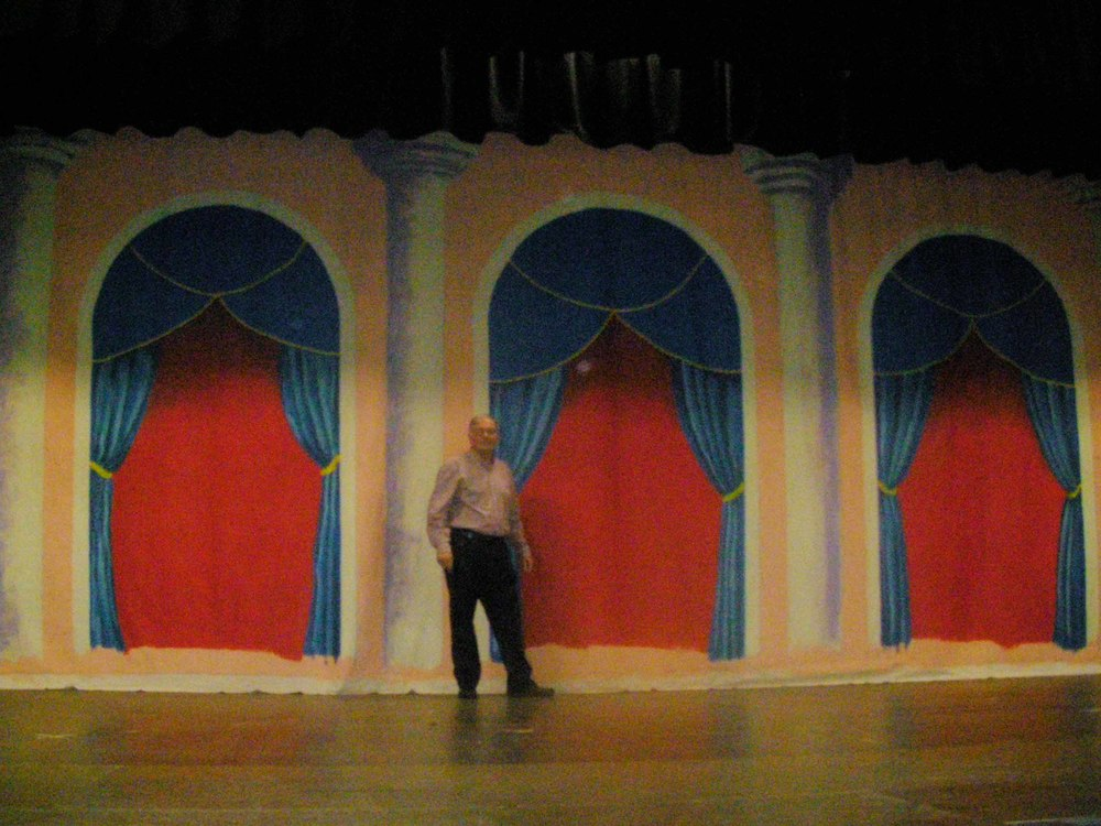 Phil-Simmons-in-front-of-curtain-ps_low-res.jpg
