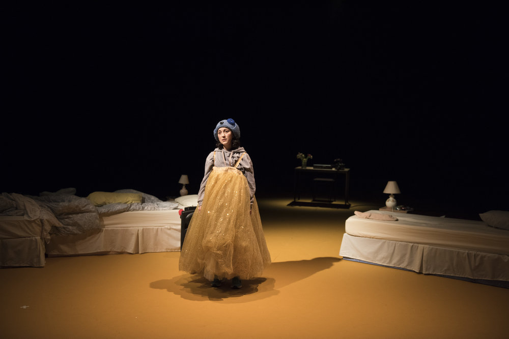 Amalia Vitale as Sandy in Beginners at Unicorn Theatre. Photo Hugo Glendinning.JPG