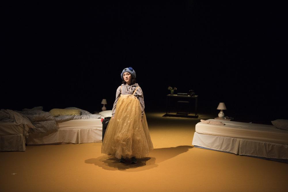 Amalia Vitale as Sandy in Beginners at Unicorn Theatre. Photo Hugo Glendinning.JPG