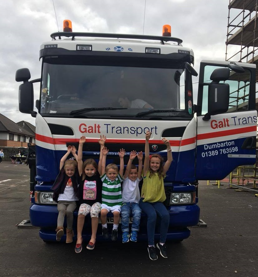 pupils at braehead primary school loving the lorry