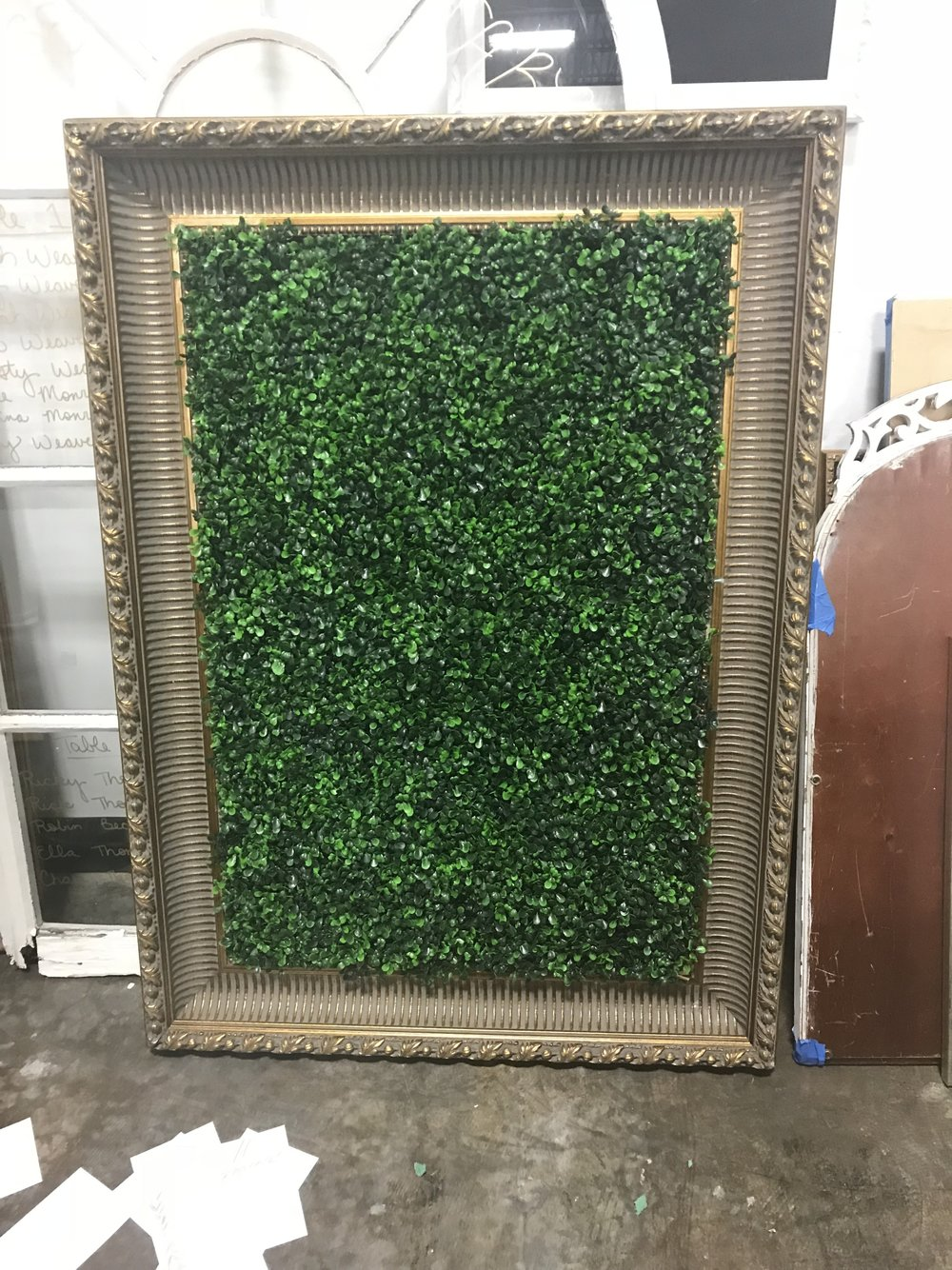 Framed Boxwood Seating Assignment