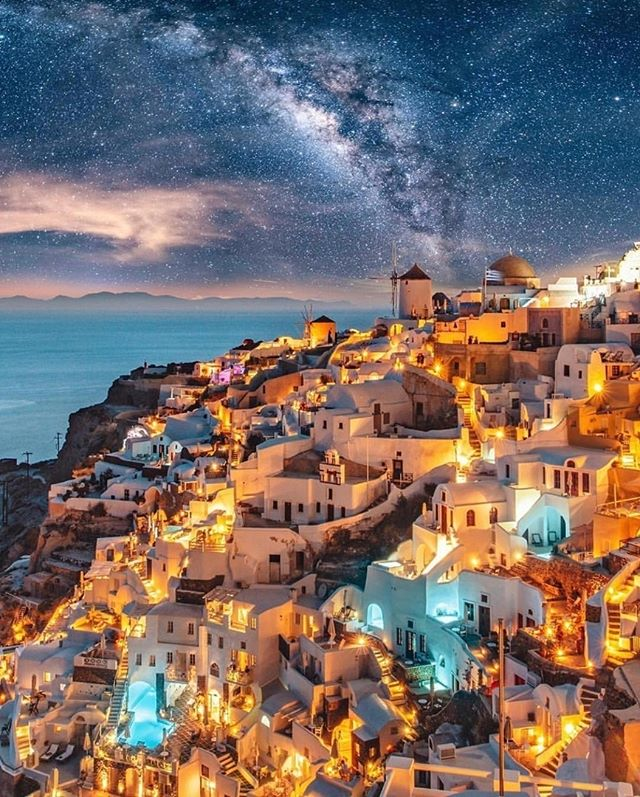 Who is going to Greece this year? 😍👇 Photo: @izkiz