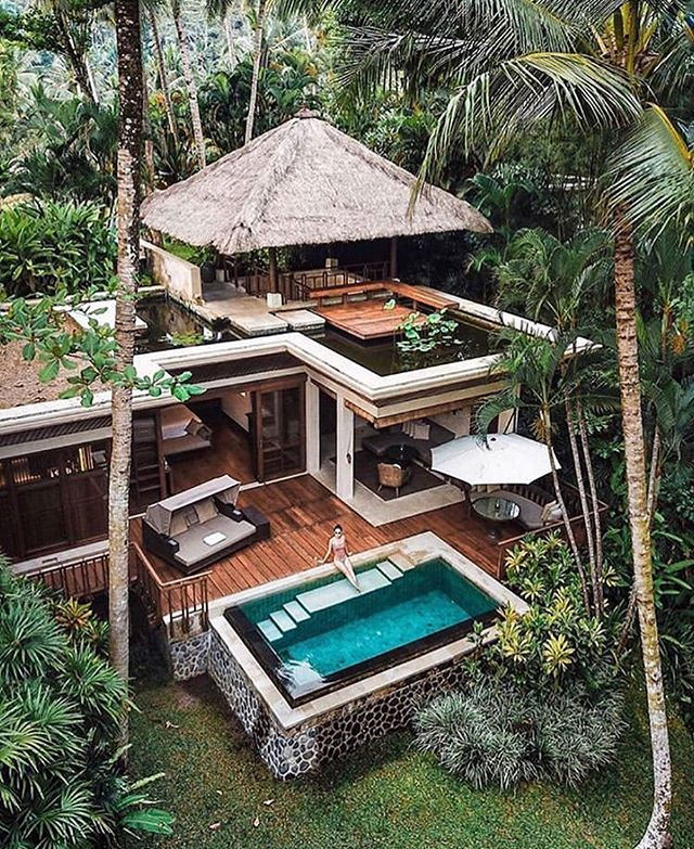 Prestige living in Ubud - Bali | Tag someone who would love to stay here👇 . Photo @michutravel