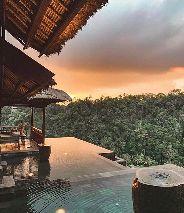 Sunsets in this Balinese Paradise | Tag someone who would love this view👇
