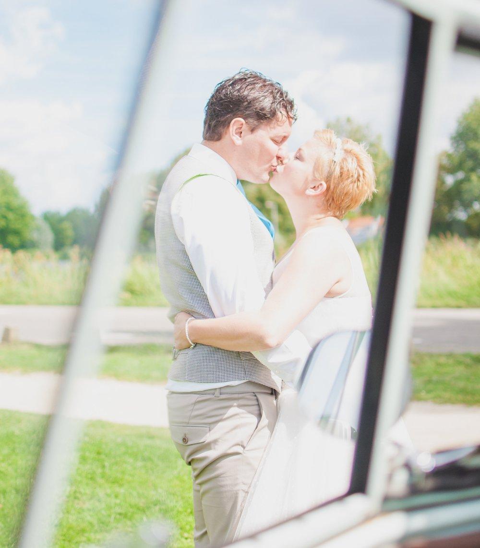 Zijn jullie op zoek naar een creatieve no nonsense fotograaf voor jullie huwelijk? - Lees dan hieronder hoe ik te werk ga en vraag vrijblijvend en gratis een kennismakingsgesprek aan.