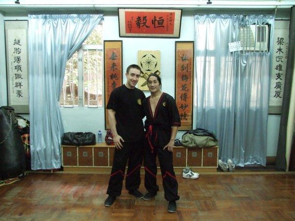 Hong Kong 2008:  Es gibt viele Zeugen innerhalb der IWTA, die meine Qualifikationen bestaetigen koennten, aber sie wuerden es nicht tun. Man wuerde jeden sofort verbannen, der zur Verteidigung eines ehemaligen Mitglieds seine Stimme erhebt.