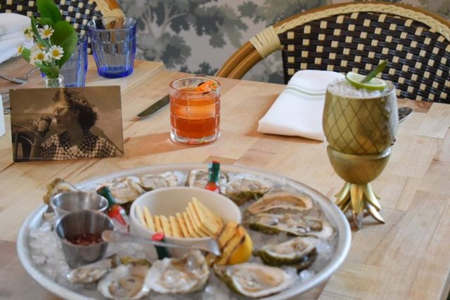 Dollar Oysters all day! #digin