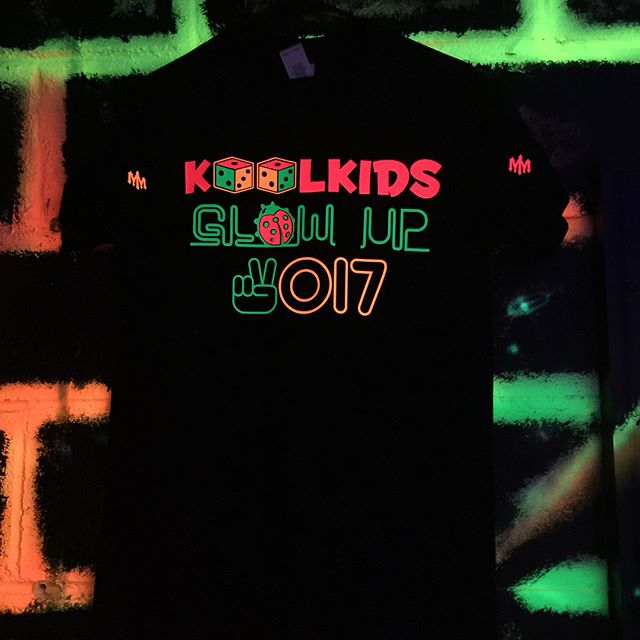 Do you know what #June24th is⁉️ 📆 ITS #KOOLKIDSDay 🐞✌🏾️🎲‼️The Third Annual #KOOLKIDSDay #KOOLKIDSGlowUp2017 💡🐞✌🏾️🎲 will be held @ #JumpNJive📍17573 Old Jefferson Hwy @ 7:00pm Special Guest performances by @tweeday_go2hard & @officialteamtoon Children ages 3-13 Register by June 20th on www.KoolkidsMovement.com 💻📲#TheKOOLKIDSFoundation  POST YOUR #KOOLKIDSDay #Moments & #Memories 🎇🎆🎇 & TAG @AmazinAd2 will #REPOST THEM📌 🐞✌🏾🎲 #TSHIRTS available @ #AmazinAdvertizin a #ProudSponsor of #KOOLKIDSDays #HaveAnAmazinDay #MM®