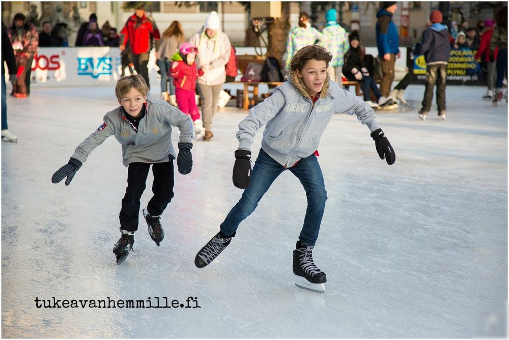 ice-skating-235547_1280.jpg