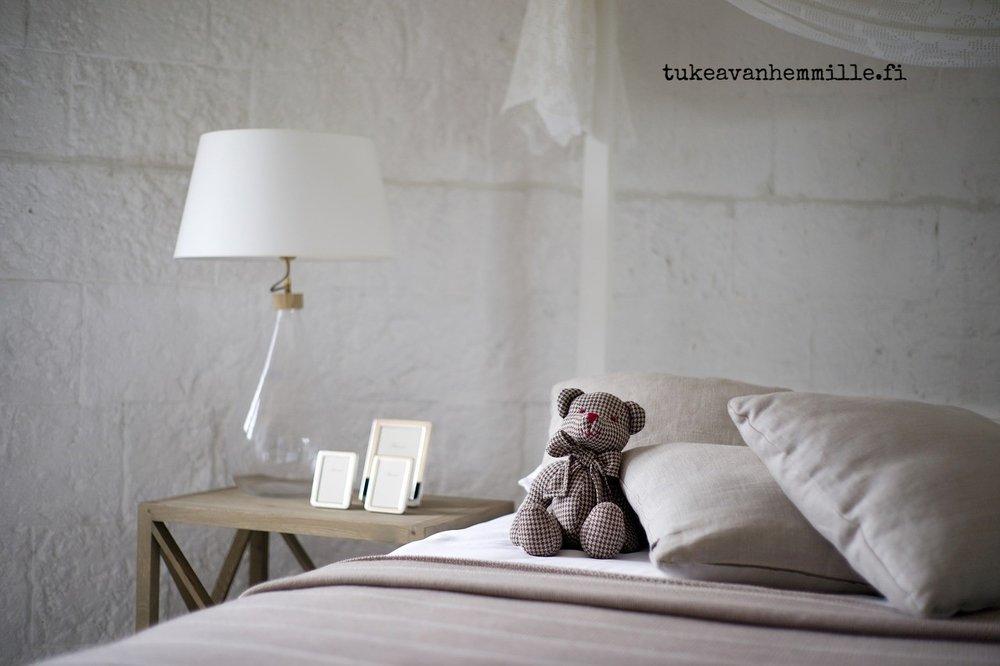 bed-2453298_1280.jpg
