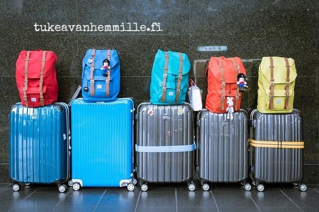luggage-933487_640.jpg