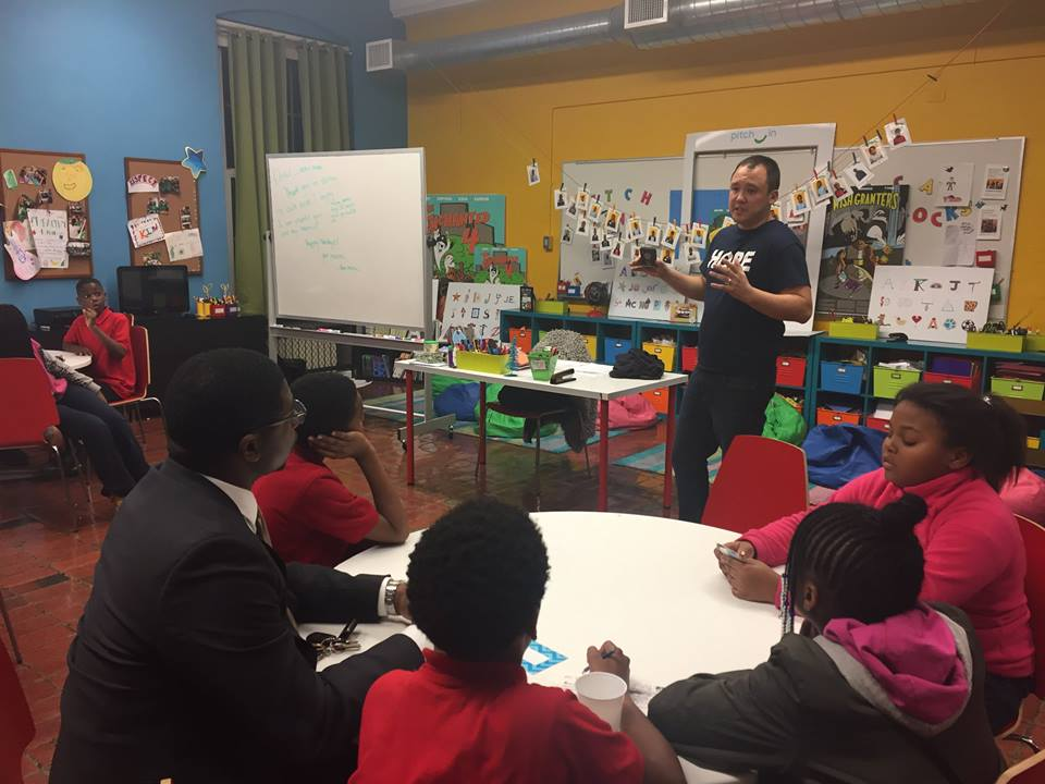 #PitchIn students, families & mentors celebrated Thanksgiving with three family dinners, specials guests & student presentations! Special thanks to Chicago Hope Cafe partner, James, for sharing his entrepreneurship experience with our 5th graders and to the Woods for joining us for book club! #TogetherWeWin