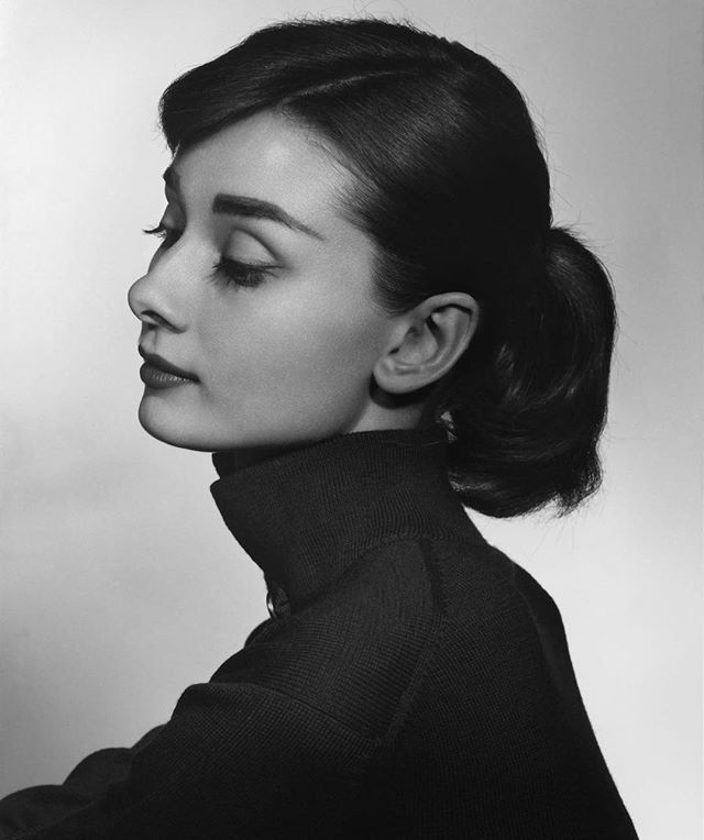 Audrey Hepburn's Beauty Secrets - 1. She had a steam facial routine twice a week 2. She claims that breathing fresh air and going on walks contributed to her beautiful complexion 3. Lightweight foundation 4. Avoided thick powders
