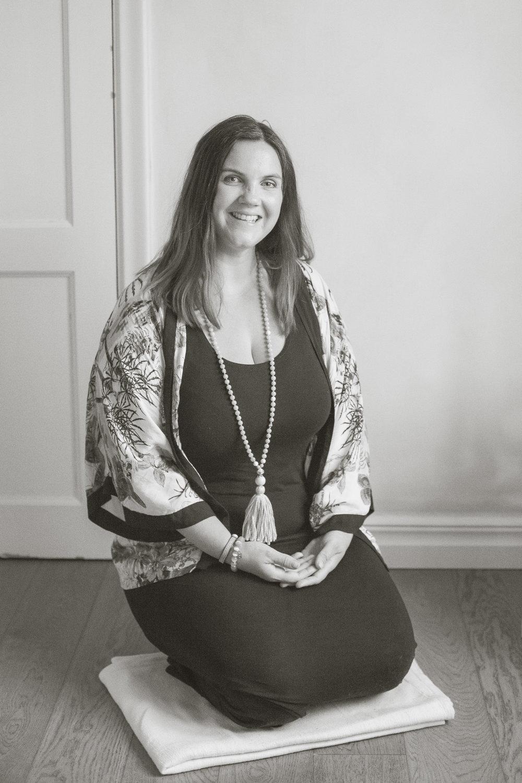 Mikaela Hall - Jag är utbildad Hälsoterapeut vid Solbacka Akademi, en YH-utbildning som bygger på fyra pelare – massage, träning, kost och mentalträning. Utbildningen stämmer väl överens med min egen filosofi kring hälsa som handlar om att hitta sin egen balans i tillvaron och att helheten är viktig just för den balansen. Jag är certifierad massageterapeut i den svenska klassiska massagen, diplomerad taktil massör och SPAterapeut. Jag är även utbildad till gym- och gruppträningsinstruktör , vilket jag tycker är fantastiskt roligt. Jag brinner för att motivera andra till att finna glädje och välmående i livet samt att kunna ge tips, råd och verkyg till smärtfri rörelseglädje.Hos mig får du alltid en anpassad behandling efter just dina behov. Jag har även gravidbänk med hål för magen till dig som är gravid så du kan känna dig så avslappnad och bekväm som möjligt. Varmt välkommen!Boka dig här.Mikaela