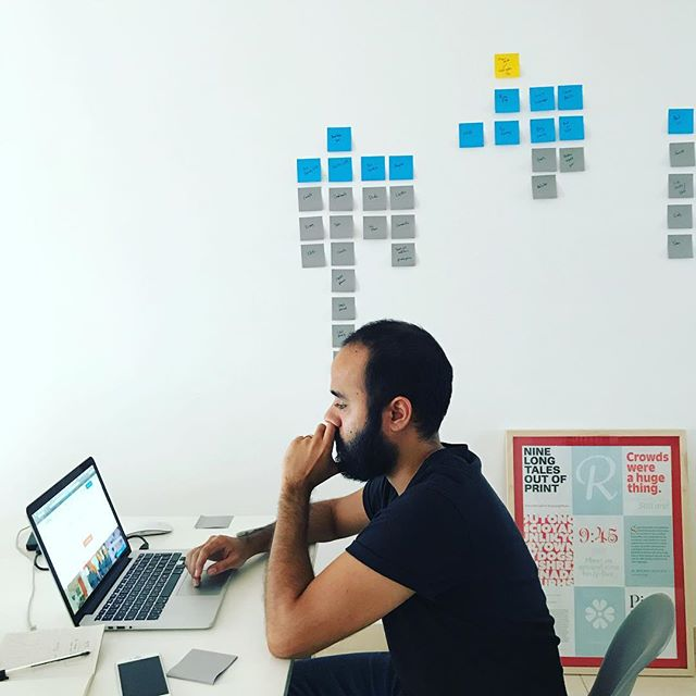 One of the most powerful tools out there you can use to plan a UX: post-its. 😂 . . #design #designer #ux #designerlife #dosworks