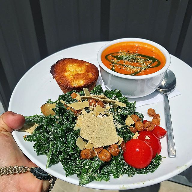 Healthy can be delicious!! All vegan lunch from @eatavo - tomato basil soup, Cesar kale with crispy chickpeas, and corn muffin 😋😋 #nashvilletn