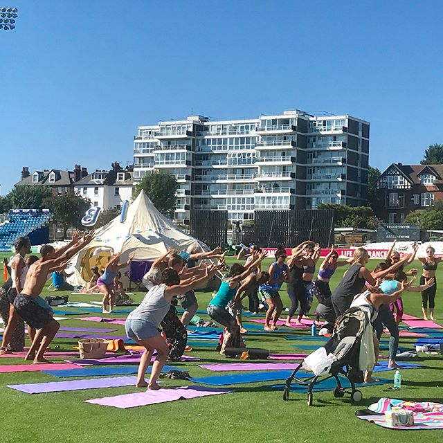 We had a fabulous weekend at The Brighton Yoga Festival 2018, it was hot ☀️ but the iced tea was not ☕️❄️ and we sold lots of cool cuppas to the crowds of lovely yogis. Keep up the good work @brightonyogafoundation and see you on the ground again next year! 🙏🏻🙌🏻💫 #brightonyogafestival2018 #yogaeverydamnday #yogis #yoga #hovecricketground #getyouromon #wellbeing #festival #icedtea #tea #herbaltea #herbalife #health #happiness #energy #positivevibes #positiveenergy #balance #siphappiness #notjustteaawaytobe