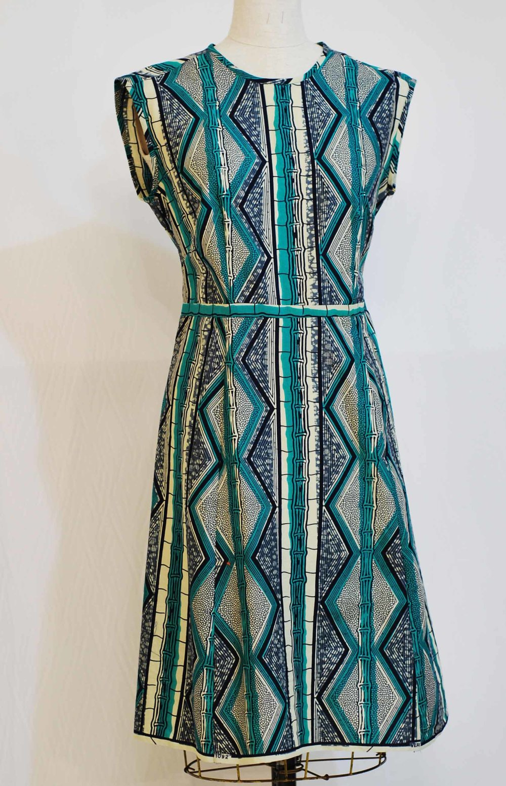 "Bamboo Wax Print   -  sz 10  -  waist 32""  bust 38""     was $425    -    now   $275.    100%  Cotton   -   machine washable  -  SOLD"